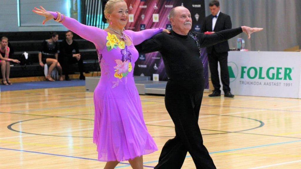 Tantsuklubi Sinilind täiskasvanutele seenioritele noorukitele tantsuõpetus
